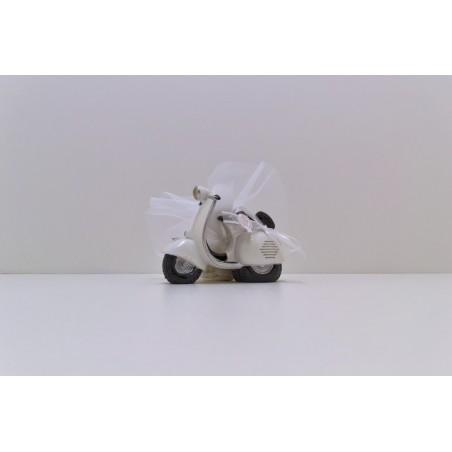 Grande vespa blanche