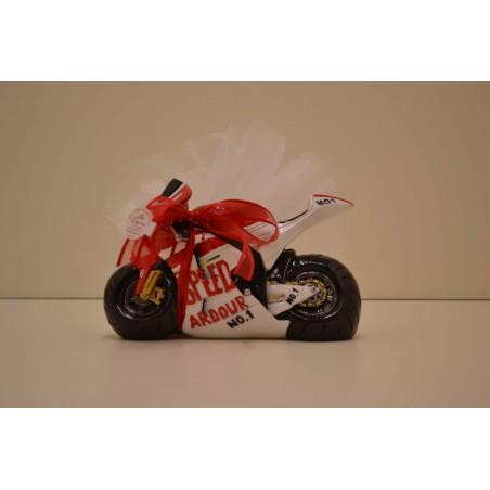 Grande moto rouge